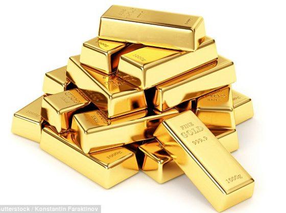 Harga emas naik seiring dengan terkoreksinya saham dan dolar AS