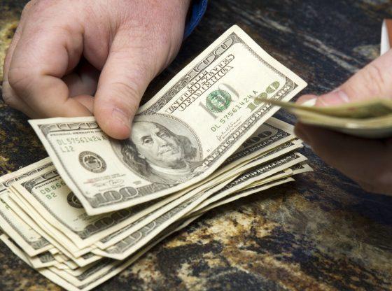 Penguatan Dolar AS tak terbendung, memberikan ancaman ke pasar saham