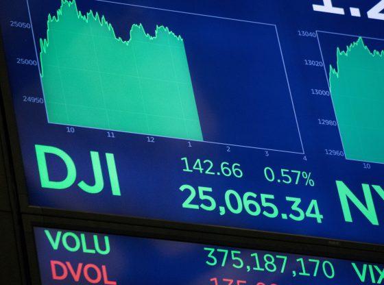 Bursa Saham AS terkoreksi oleh upaya konsolidasi.