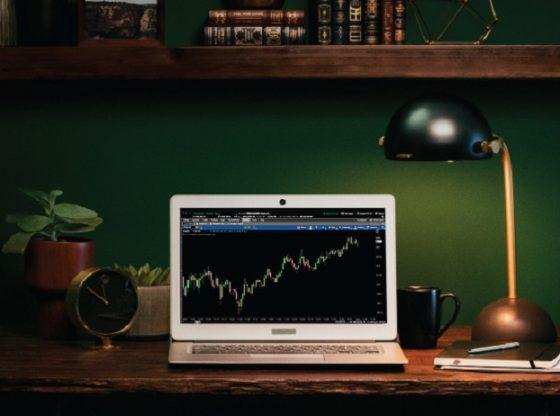 Bursa saham membaik setelah indikator ekonomi AS menunjukkan kondisi pengangguran terendah dalam 18 tahun terakhir ini.