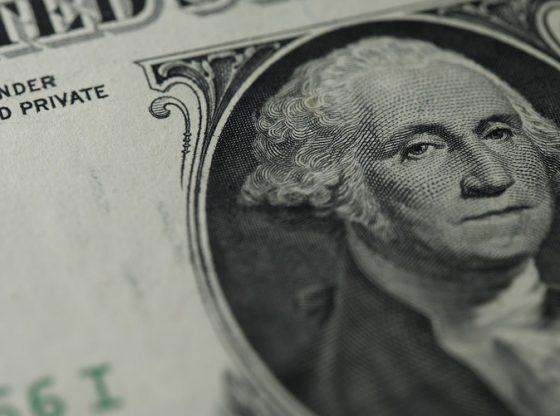 Dolar Tergelincir melemah