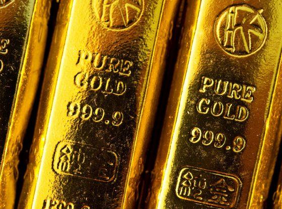 Harga emas terpelanting oleh potensi penguatan Dolar AS.