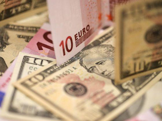Dolar AS vs Euro