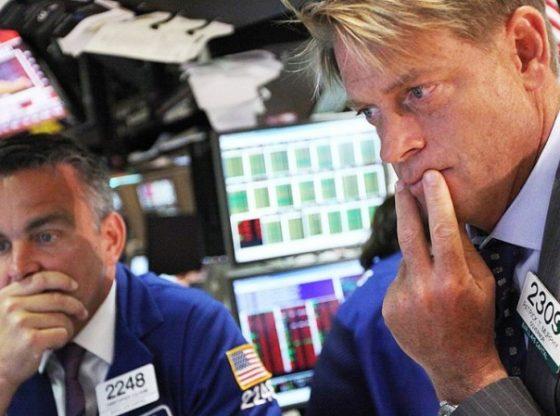 Bursa saham AS jatuh, kepanikan melanda aksi jual.